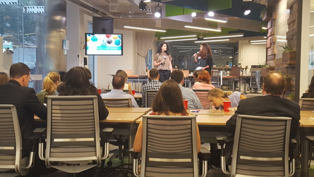 Co-founders Lisa Mendelow and Aza Damood introduce the panelists