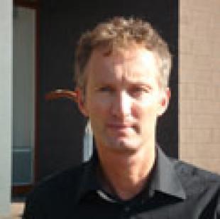 VDS Consult B.V. Mr. Van der Slik