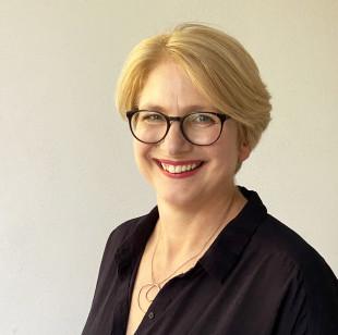 Prof. Vicky Tiegelkamp