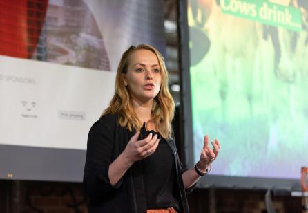 Anne van Lieren: Customer Behaviour by Design - Influencing Behaviour Beyond Nudging